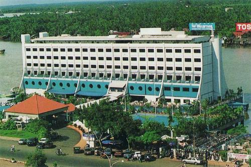 Khách sạn nổi Sài Gòn Botel - Hotel Briefing Blog